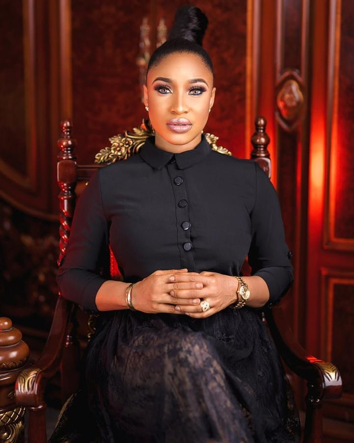 Tonto Dikeh went under the knife in 2018 and couldn't hide appreciation to the doctors for a job well done  [Instagram/TontoDikeh]
