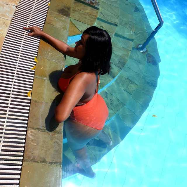 """Gospel singer Nicah the Queen leaves """"team mafisi"""" drooling as she flaunts Bootylicious body in a Bikini"""