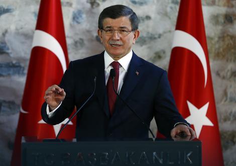 """Davutoglu poručio je da će Ankara vratiti """"istorijski dug braći iz Alepa"""""""