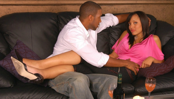 couple relaxing(MadameNoire)