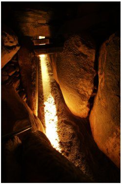 newgrange-ab2-2004.jpg