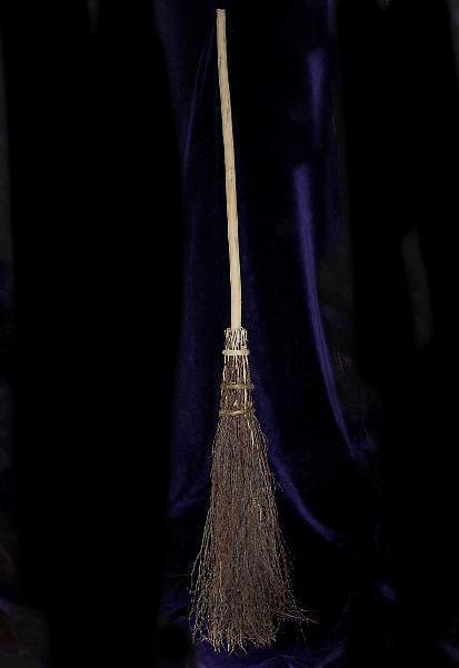 willow-besom.jpg