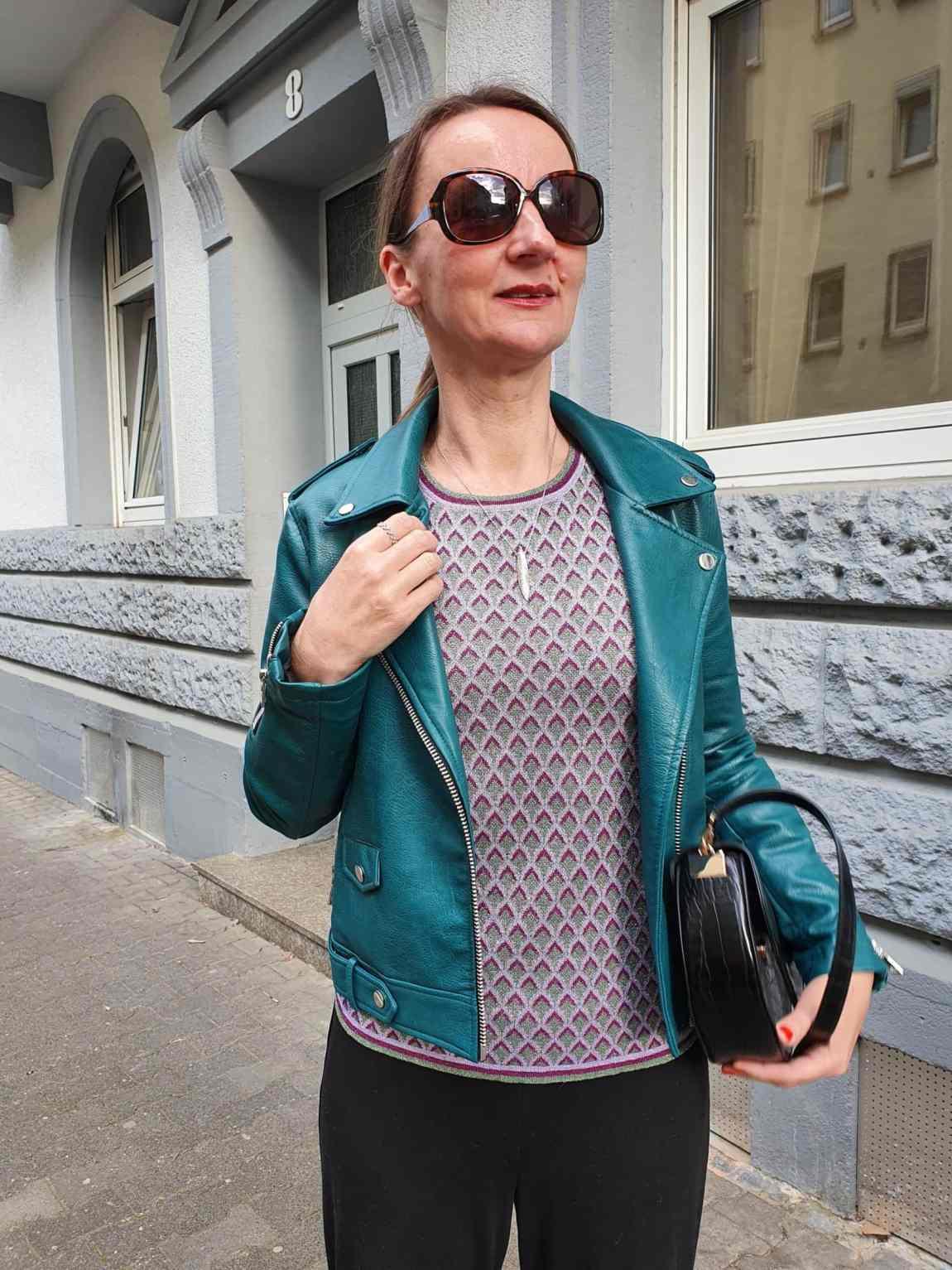 leder-jacke-damen-culottes_tatort_blog-ue50-oceanblue-style.jpg