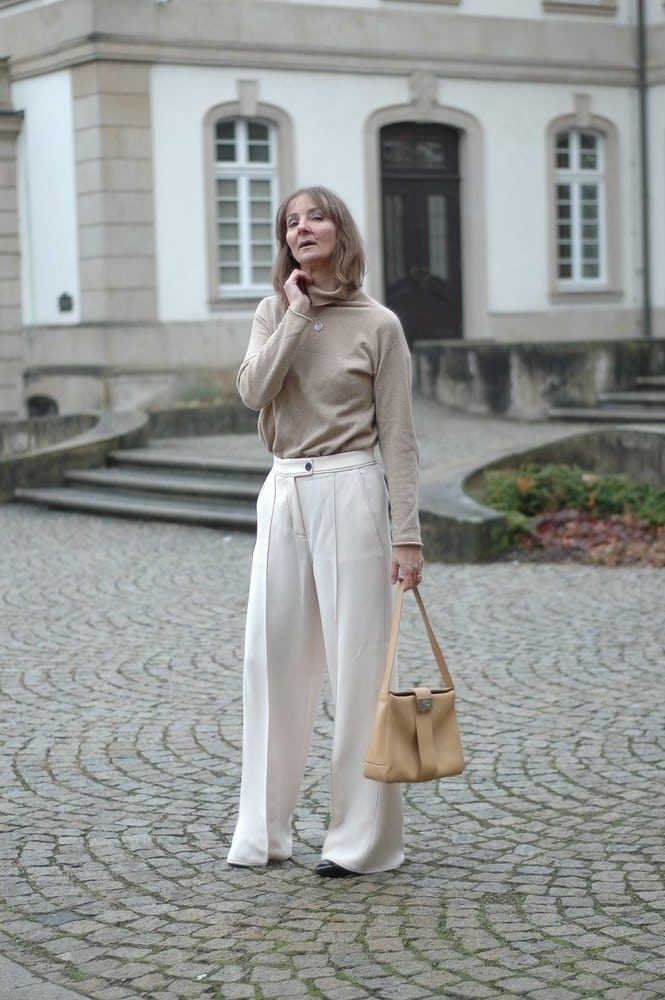 camel_Beige_kombinieren_weite-hose_fruehöingsfarbe-2019_mode-blog_oceanblue-style.jpg