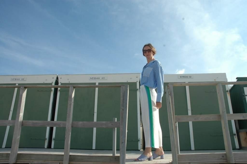 networking-unter-frauen_Sommerweiss_Culottes_Streifen-bluse_hellblau_Nordsee-Look_Deauville_Chanel_oceanblue-style.jpg