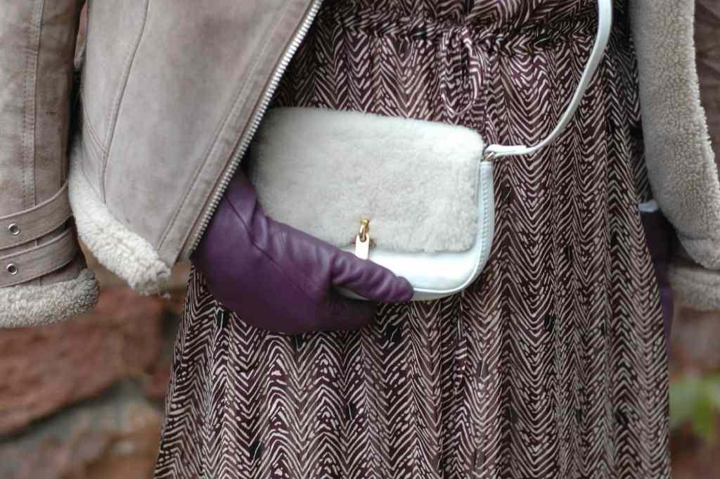 maxi-kleid_stylen-Rueschen-cowboy-boots-gelb-uebergangslook-ue50-blog-oceanblue-style.jpg