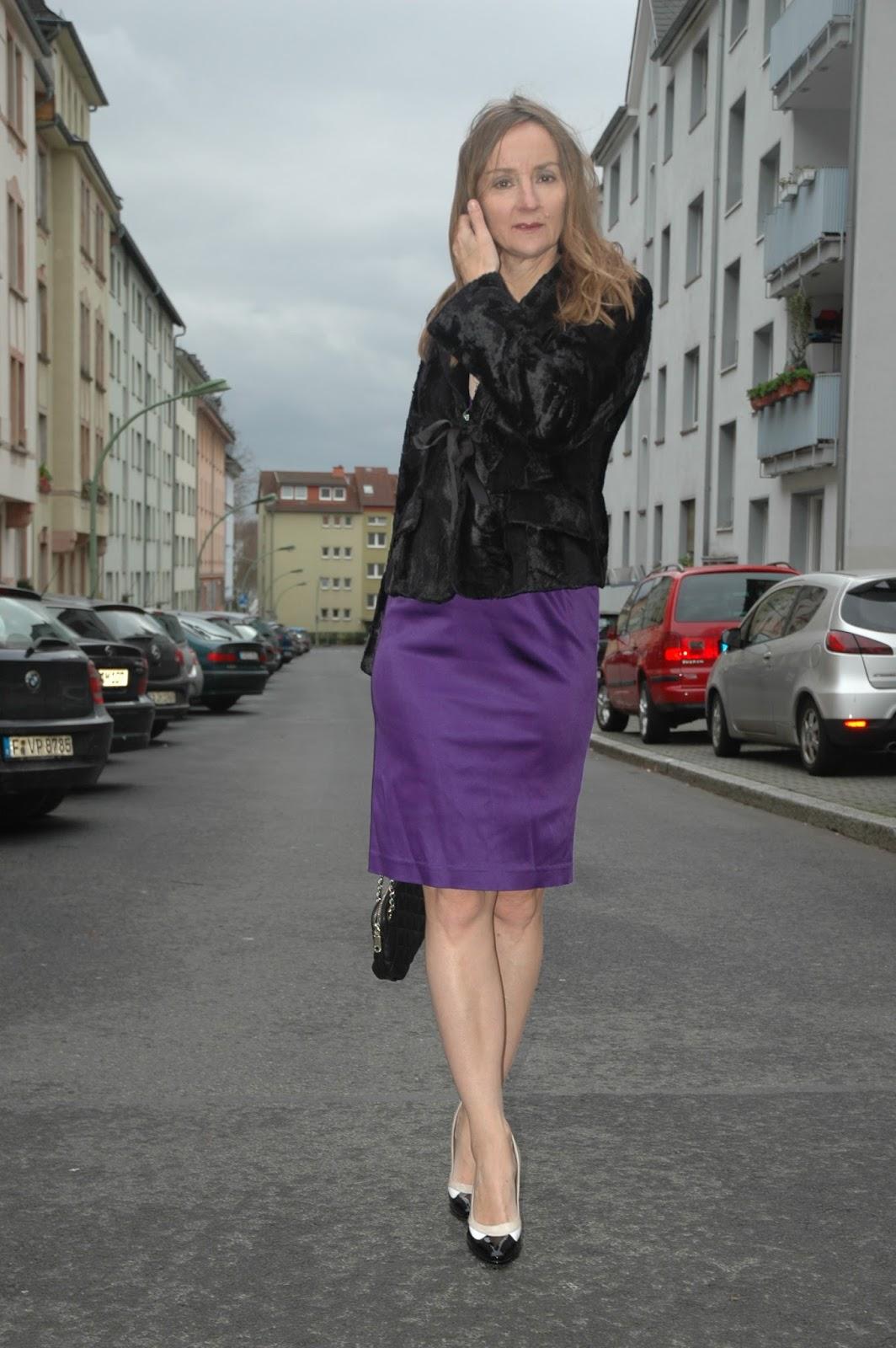 lila_Satin-kleid.jpg