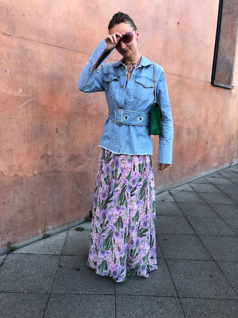 brunch-outfit-was-trage-ich-zum-brunch_maxikleid_jeansjacke_ü50-mode-blog-frankfurt_oceanblue-style.jpg