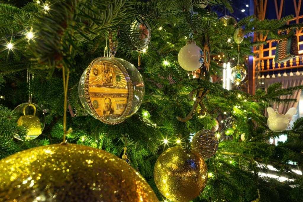 Weihnachtsbaum-kempinski-hotel-bahia-marbella-oceanblue-style.jpg