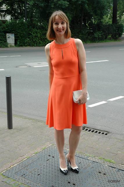 dresscode_fuers_Buero-cocktail-kleid-blog--oceanblue-style.jpg
