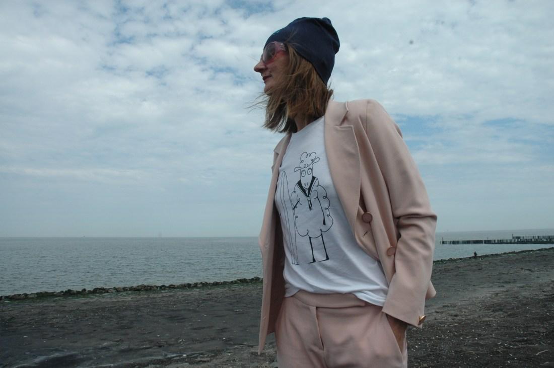 oceanblue-style_hosenanzug_sommer-trends_2018_meer_samt-pantoletten_mode-blog_frankfurt (8)