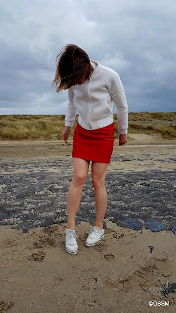rot-mini-lederrock_weiC39Fer-blouson_schnC3BCrer_meer-nordsee_modeblog_C3BC40-oceanblue-style-at-manderley_modefluesterin-1