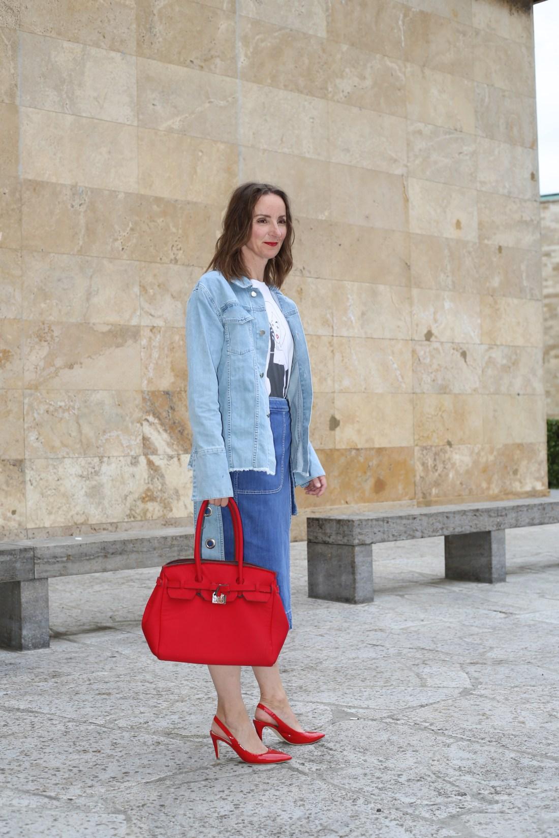 weite-hose_streifen_faltenrock_streifenbluse_slingback-pumps_rot_mode-blog-ü40_Oceanblue-style_jeansjacke_denim_neopren_birkin-bag_wrapped_denim-skirt_wickelrock_jeans (8)