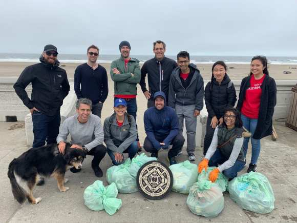 Group photo of wells Fargo beach cleanup corporate sponsors of Ocean Blue Project.