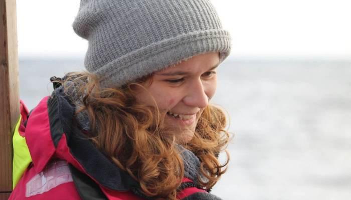 Penelope, eine Schülerin, unterwegs mit Ocean College
