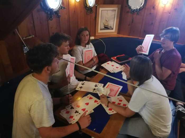 spielen mit großen Karten