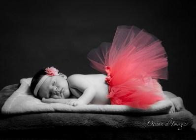 Bébéphotographe La Rochelle Chatelaillon naissance bébé noir et blanc