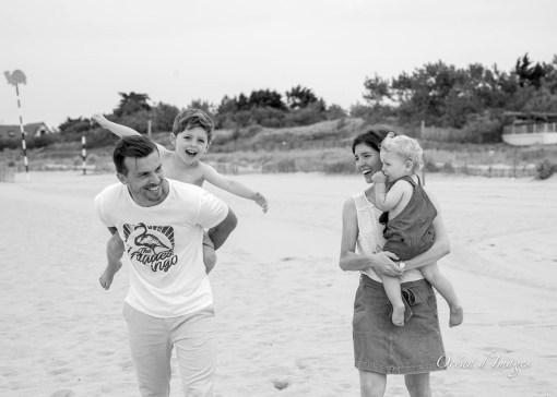 Photo plage Châtelaillon en noir et blanc famille naturelle
