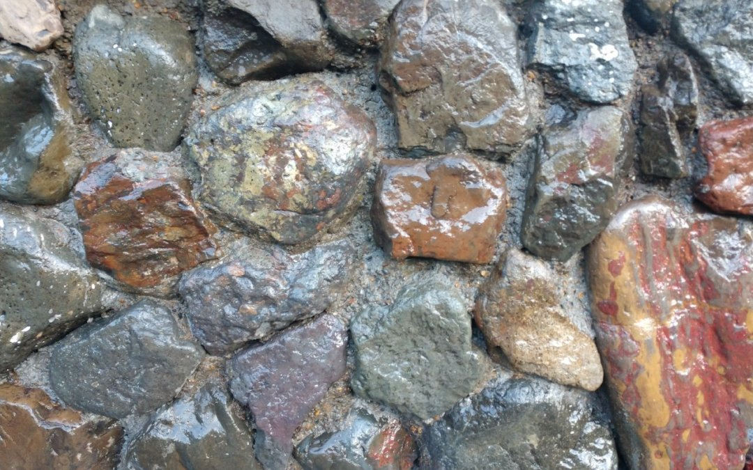 Authentic rock wall concrete stamping on Oregon Coast