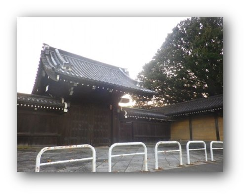 151030higashimon