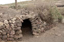 Cuevita para el descanso de ganaderos en el norte de Lanzarote, Guinate-Gallo-Máguez, senderismo en Lanzarote