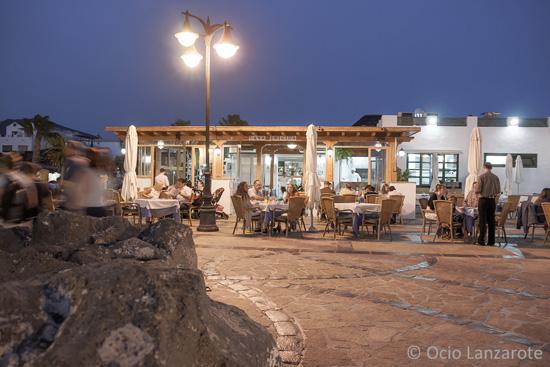 Panorámica exterior del restaurante Casa Brígida, puerto deportivo Marina Rubicón, Playa Blanca, Lanzarote