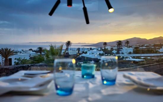 Vista de Fuerteventura desde el Restaurante La Tegala de Germán Blanco, Mácher, Lanzarote