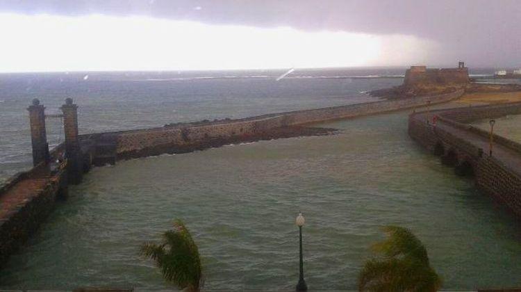 Alerta por lluvias fuertes y tormenta en Canarias