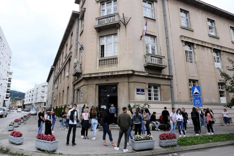 Read more about the article Đake u RS čekaju nova, ali i deficitarna zanimanja