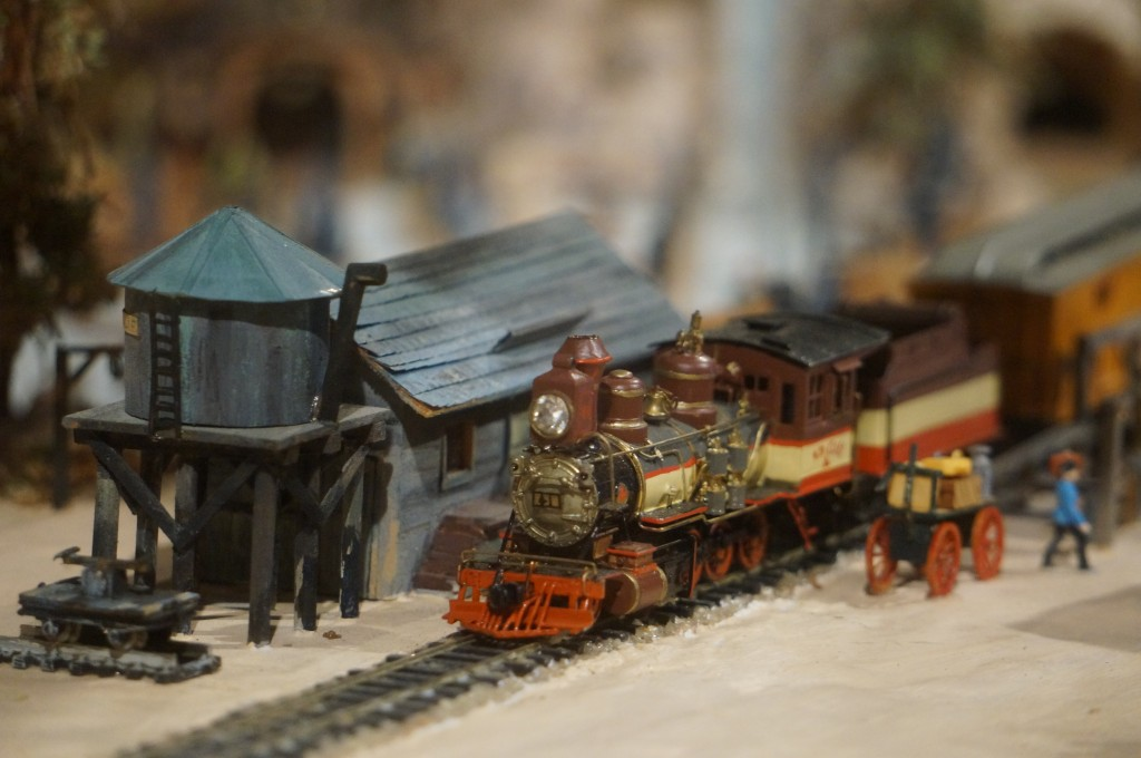 A Model of the Steam Engine for Knott's Berry Farm