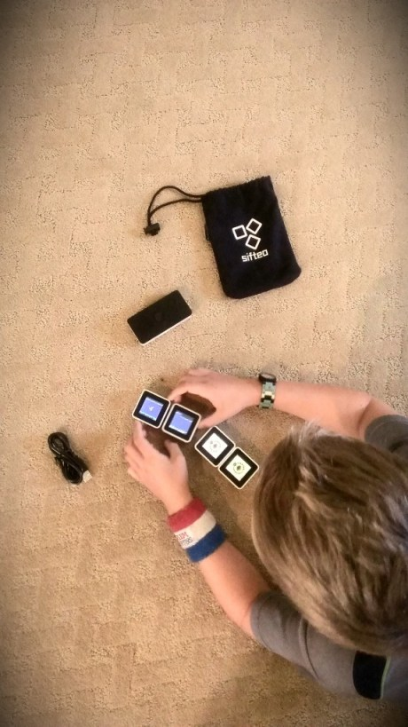 Sifteo Cubes in play