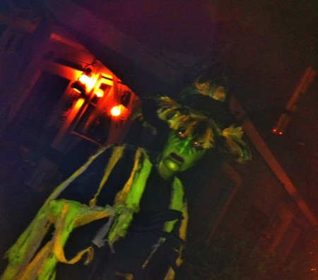 Scare on this Halloween at Knott's Scary Farm
