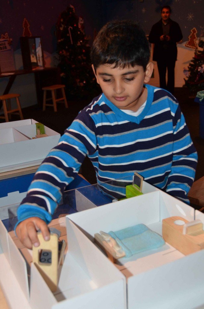 Discovery-Science-Center-Gingerbread-13