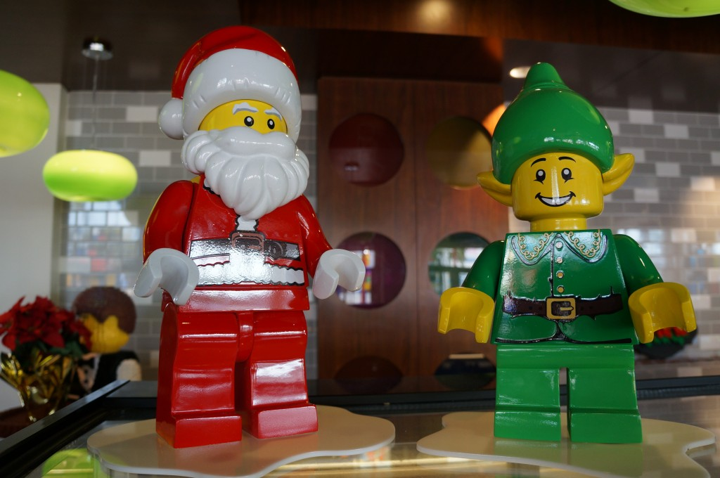 Legoland-hotel-holiday-decorations-05