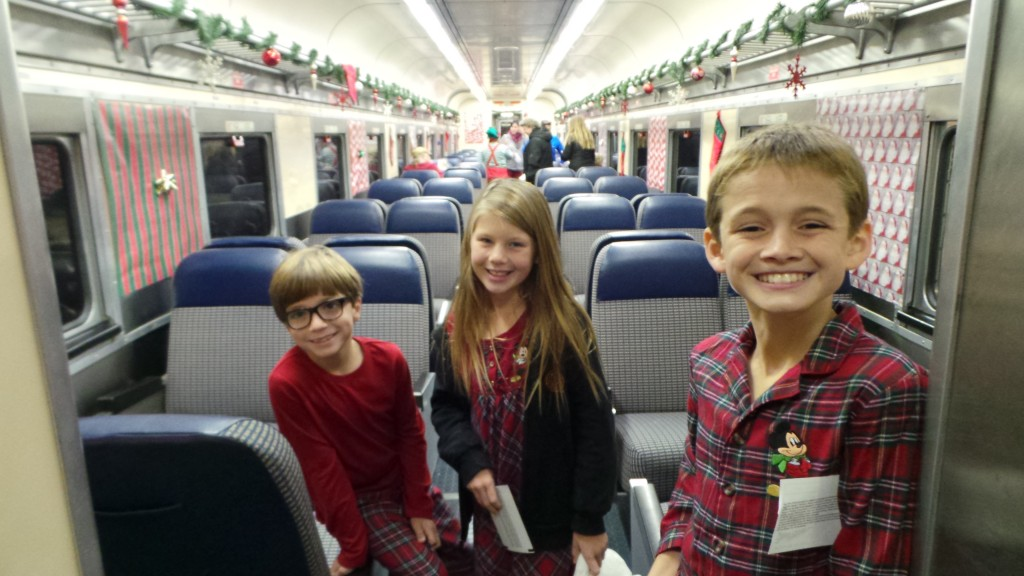 The-Train-to-Christmas-Town-5