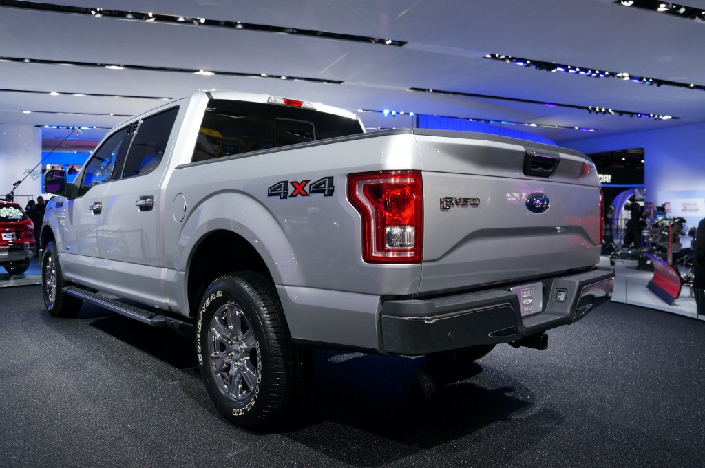 2015-Ford-F-150-01