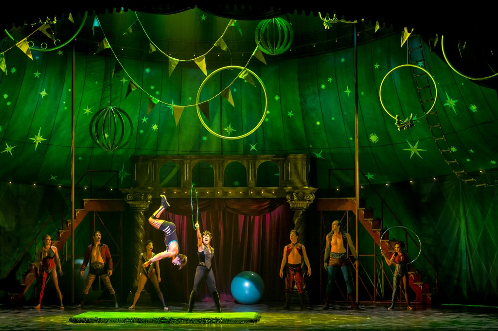Segerstrom Center - The cast of the national touring production of PIPPIN- Photo credit Terry Shapiro_4