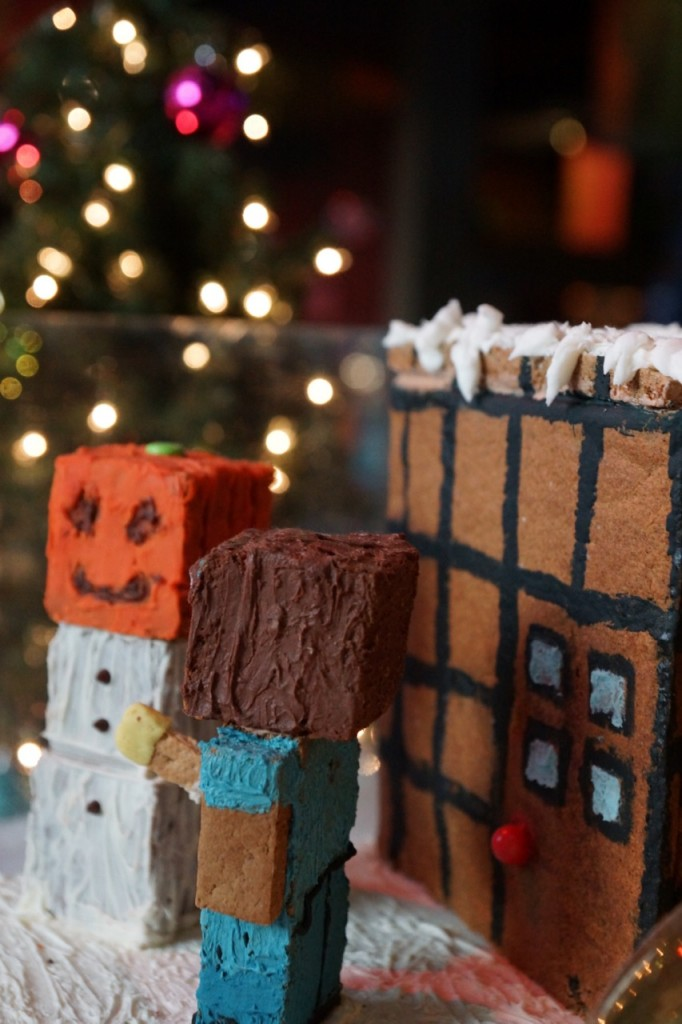 Minecraft Gingerbread House