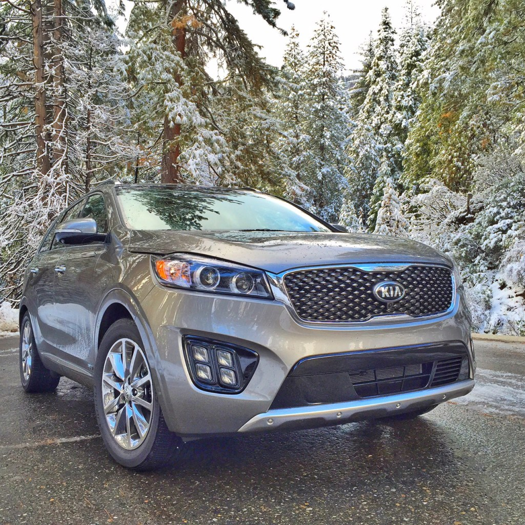 Kia Sorento in the Snow