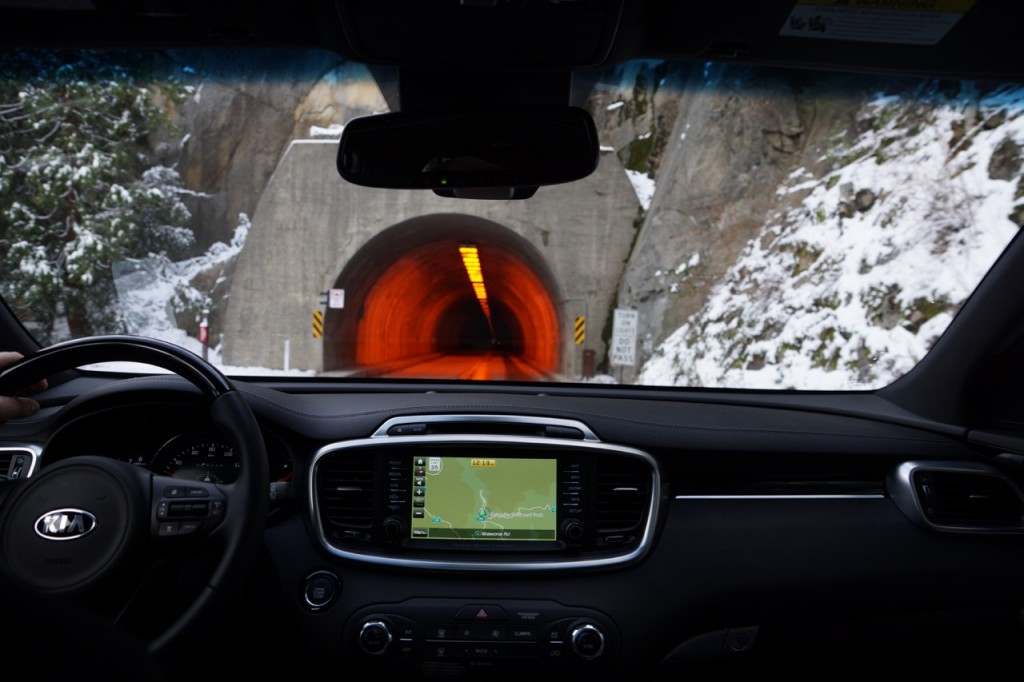 Sorento going into Tunnel View