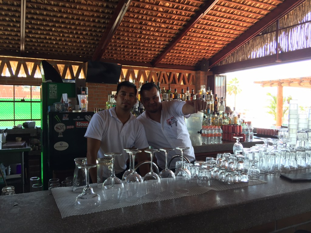 Bartenders at Bismarkcito in La Paz