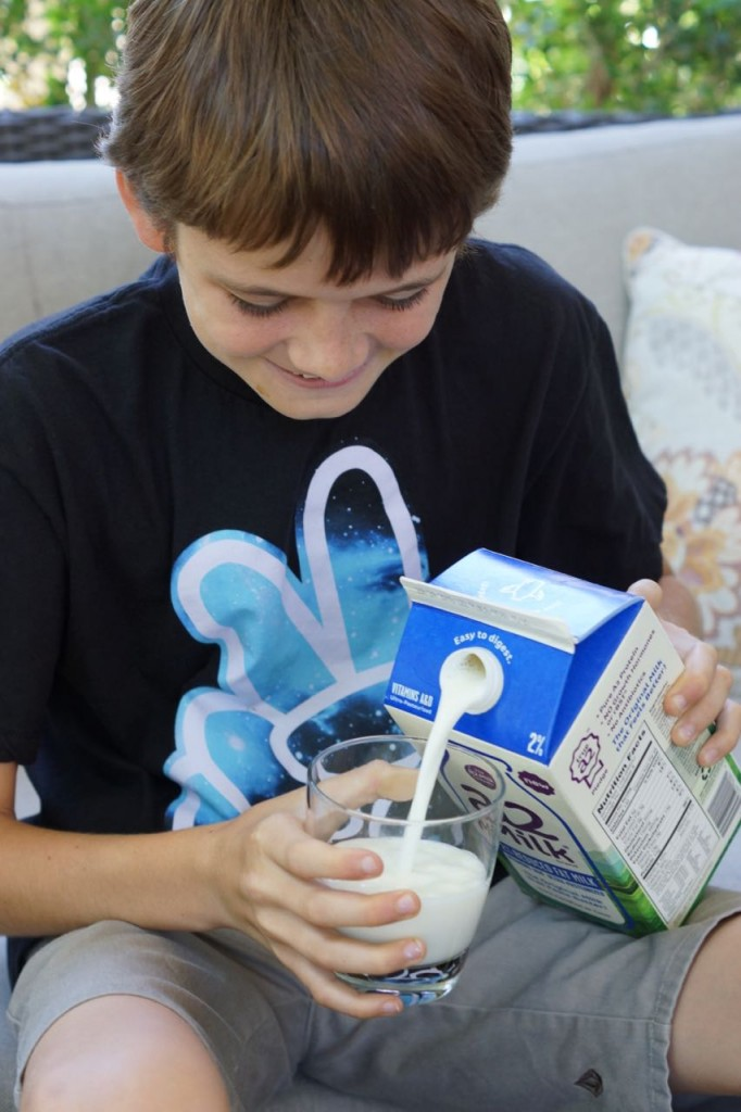 kid drinking a2 milk