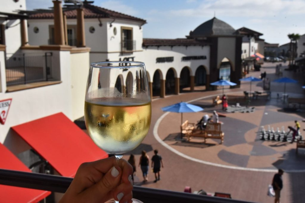 view-from-the-outlets-at-san-clemente-vip-lounge