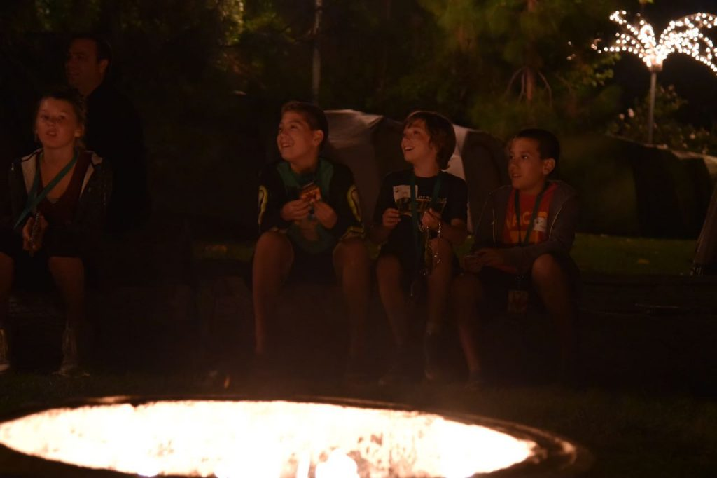 bedtime-stories-around-a-fire-at-the-san-diego-zoo-sleepover