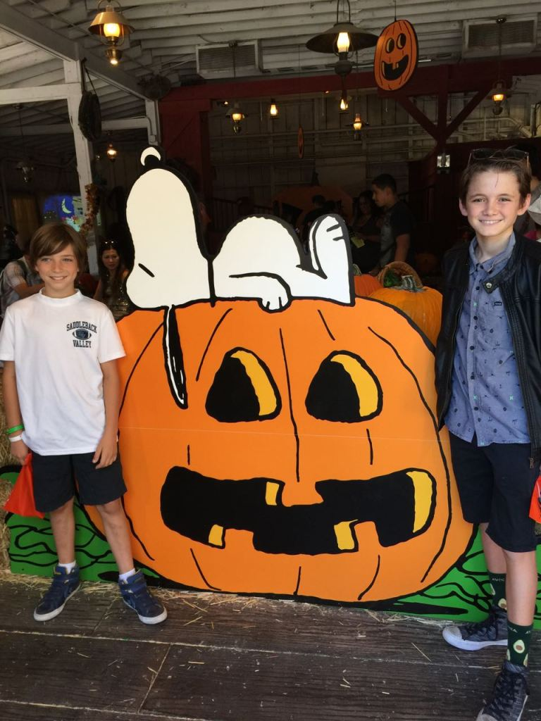 andrew-and-tyler-at-knotts-spooky-farm