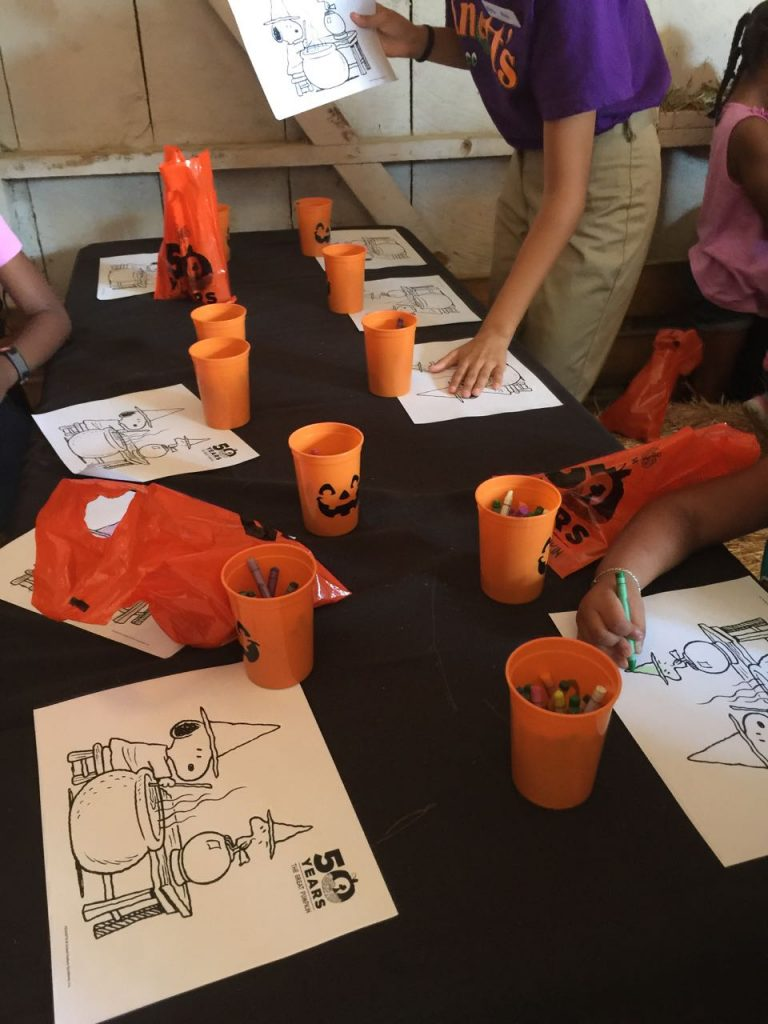crafts-at-knotts-spooky-farm