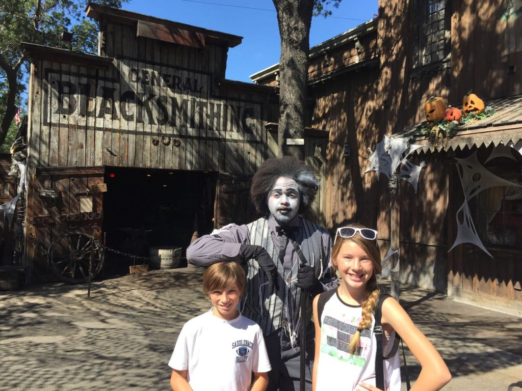 goblin-at-knotts-spooky-farm