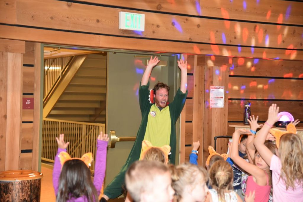 great-wolf-lodge-dance-party