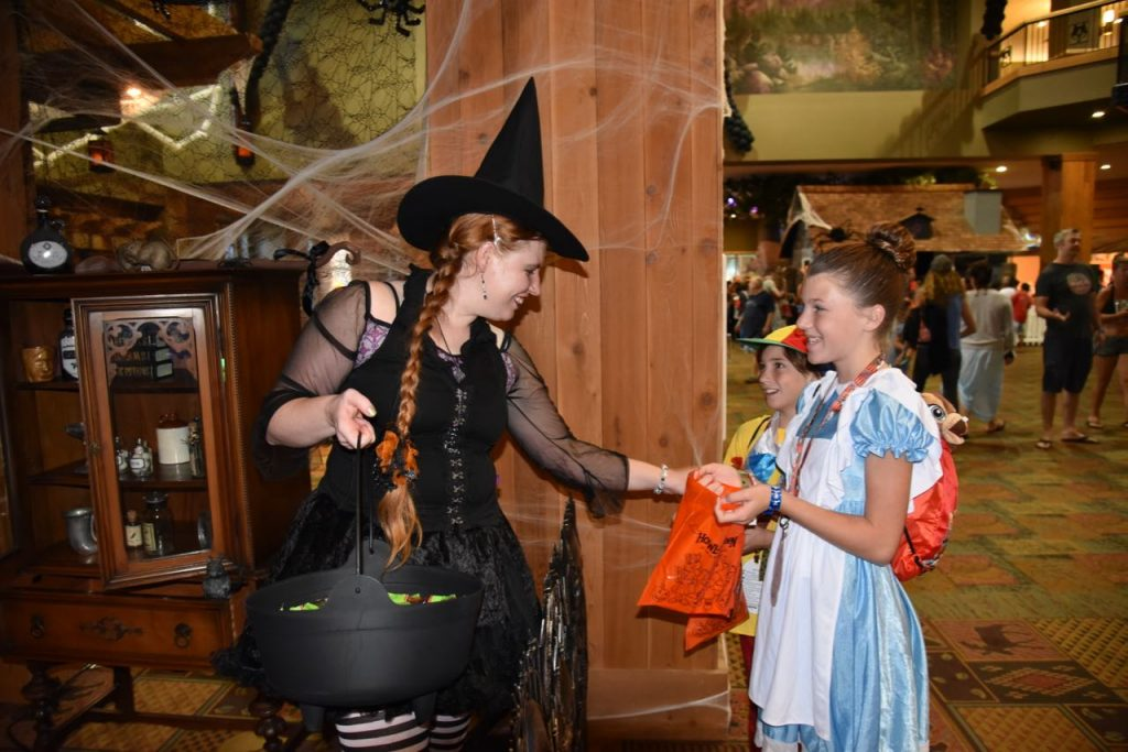 great-wolf-lodge-trick-or-treat