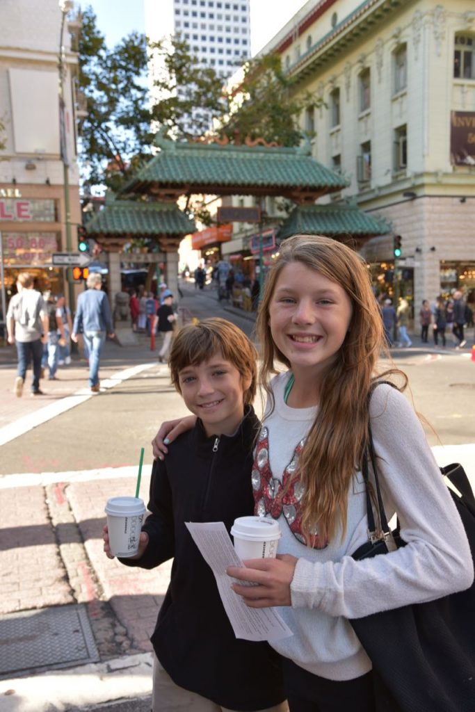 kids-in-china-town